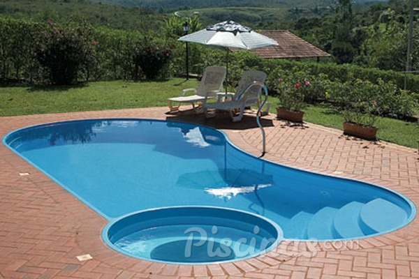 Piscina de fibra conhe a vantagens e desvantagens for Constructor piscinas