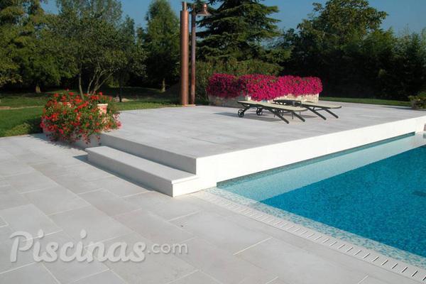 Revestimentos diferenciados para piscinas - Pavimentazione per bordo piscina ...