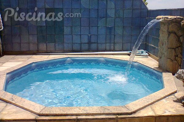 Quais s o os tipos de cascata para piscina for Piscinas tipo alberca