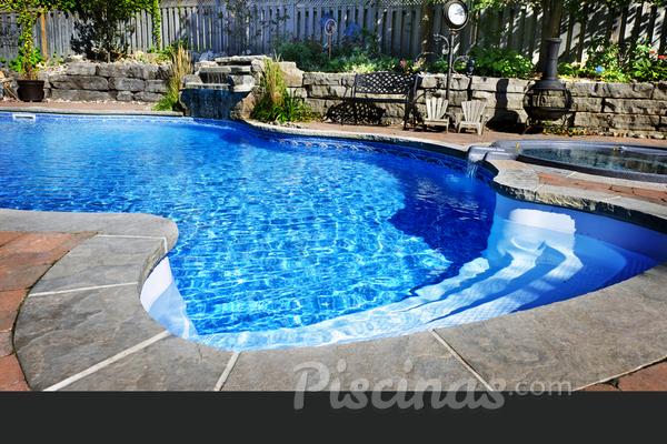 O que vou gastar para construir uma piscina?