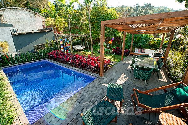Qual a melhor piscina para você construir?