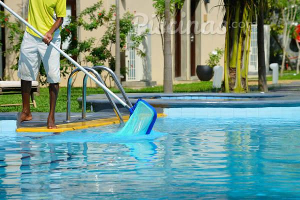 Cuidar da piscina dá muito trabalho? Tire suas dúvidas