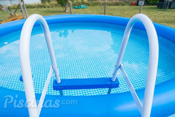 Voc sabe como tratar uma piscina de pl stico for Piscinas de plastico para ninos