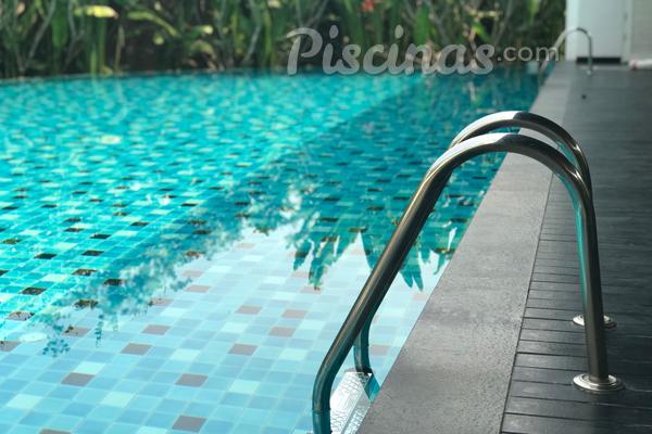 5 motivos para ter uma piscina em casa