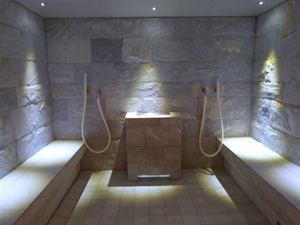 dicas para escolher a melhor sauna para voc. Black Bedroom Furniture Sets. Home Design Ideas
