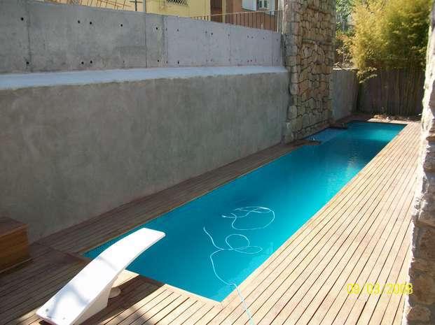 Sete dicas de desenho para piscinas pequenas for Piscinas para casas pequenas