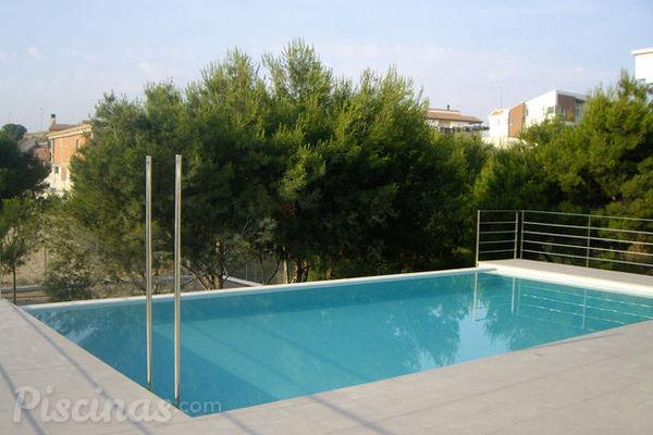 Sete dicas de desenho para piscinas pequenas for Bombas para piscinas pequenas